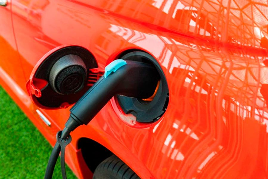 Qué enchufes tiene mi coche eléctrico