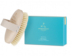 Exfoliación de primavera al estilo Gwyneth Paltrow con este cepillo de Aromatherapy Associates