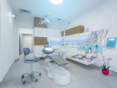 Razones por las que se debe visitar al dentista, según dentiquality.es