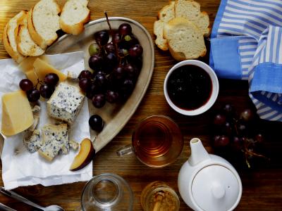 Delivinos Urban Gourmet presenta las claves para maridar té y queso correctamente