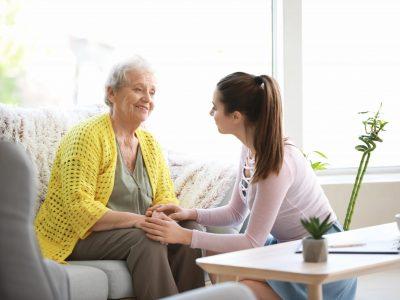 Cuidum, empresa líder en cuidados domiciliarios lanza ofertas de trabajo en toda España para este verano