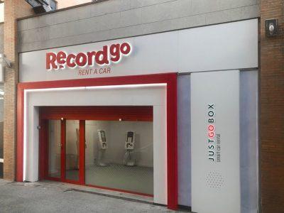 Record go estrena nueva oficina de alquiler de coches en Sevilla – Santa Justa