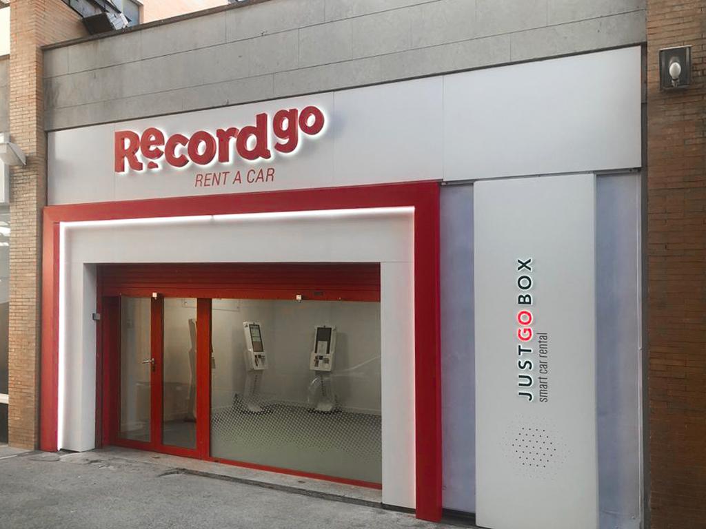 Record go estrena nueva oficina de alquiler de coches en Sevilla ? Santa Justa