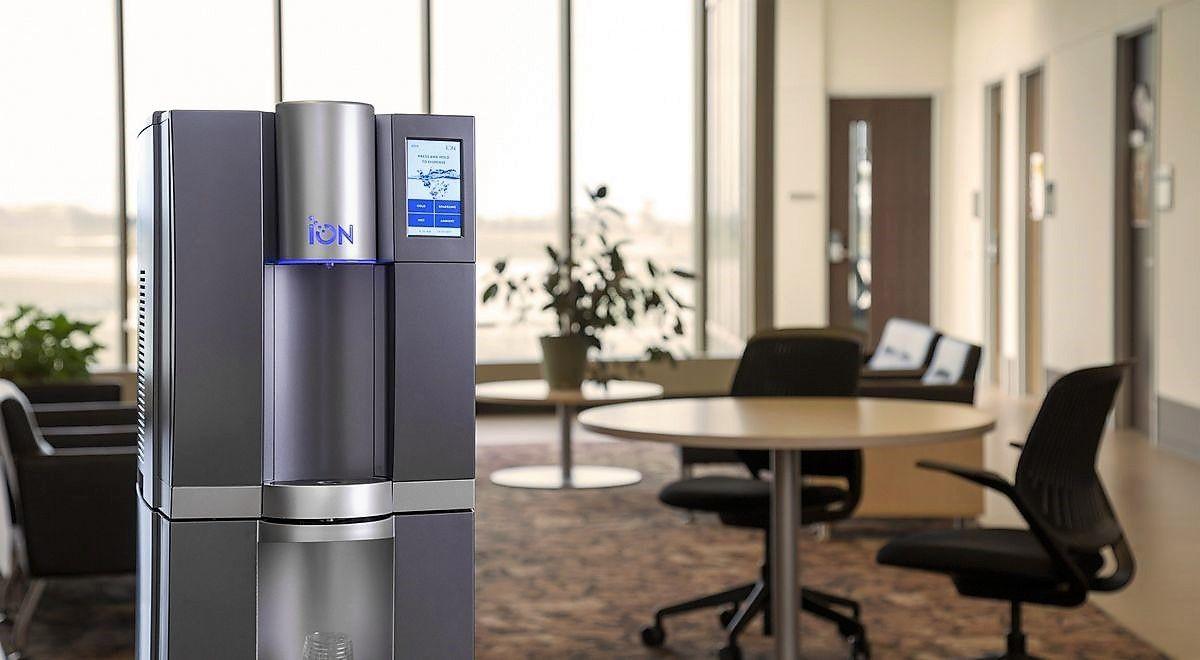 Las fuentes de agua de Blauwasser Tech ahorran espacio y costes a las empresas