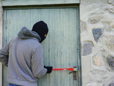 El miedo a los okupas incrementa la instalación de puertas blindadas y acorazadas en Madrid