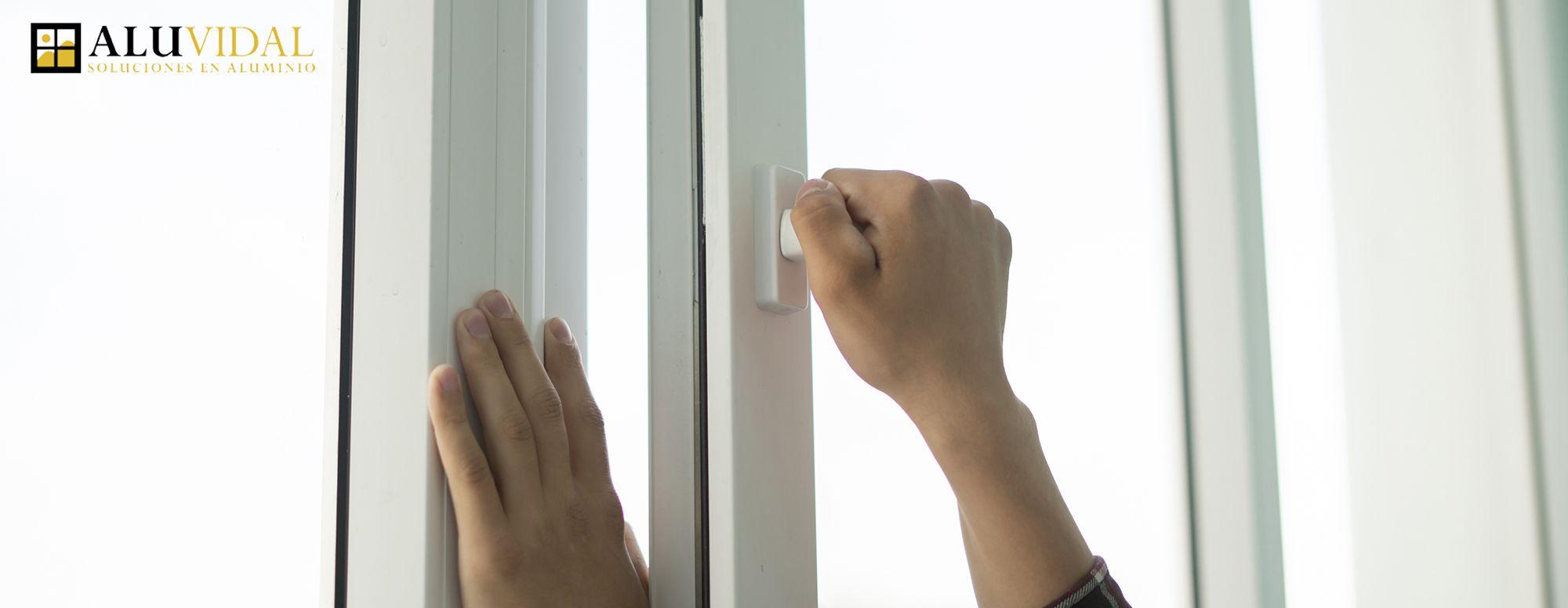 Aislar la casa con ventanas de aluminio con RPT