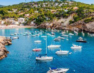 ¿Quieres conocer las mejores playas y calas de Ibiza?