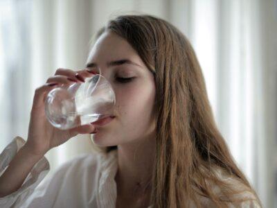 Blauwasser Tech ofrece un decálogo  con las ventajas y los beneficios de beber agua