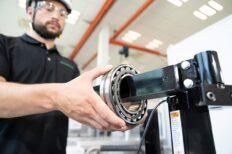 Schaeffler refuerza su negocio de servicios en la división industrial