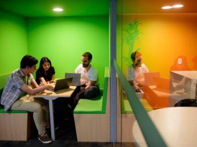 Educación y visibilidad de referentes femeninos, claves para la igualdad en profesiones tech según Creditas