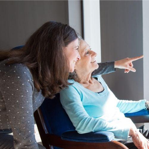 Helpycare llega a Valencia para el cuidado de personas mayores y dependientes