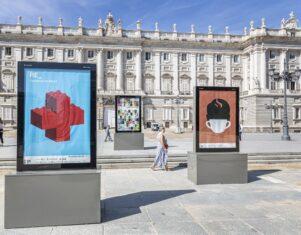 La exposición de carteles 'Re_'  inunda Madrid con el lema Reiniciar, Revivir y Recuperar tras la pandemia